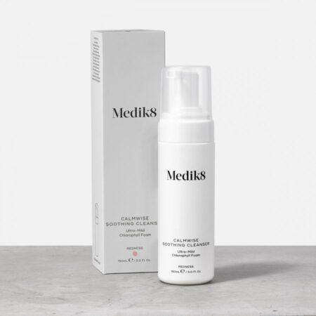 Łagodna pianka oczyszczająca, redukująca zaczerwienienia skóry